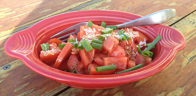 tomato salad with onion greens
