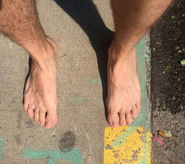 Keit-Vittore-barefoot-around-town