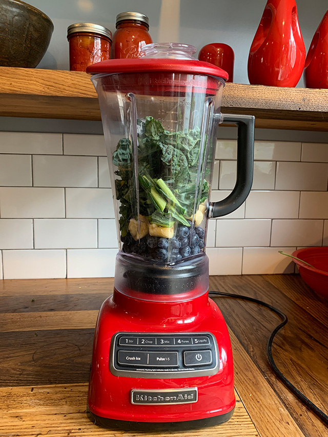 Ingredients-for-the-kale-bluberry-smoothie