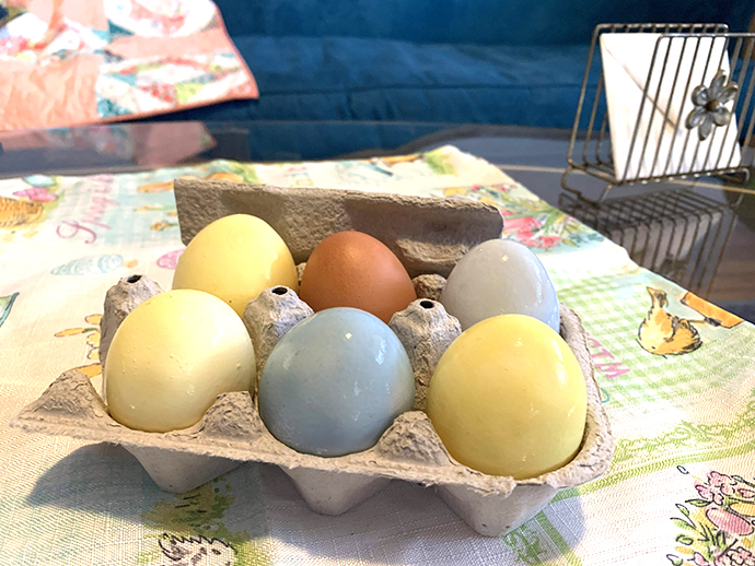 DIY colored Easter eggs!