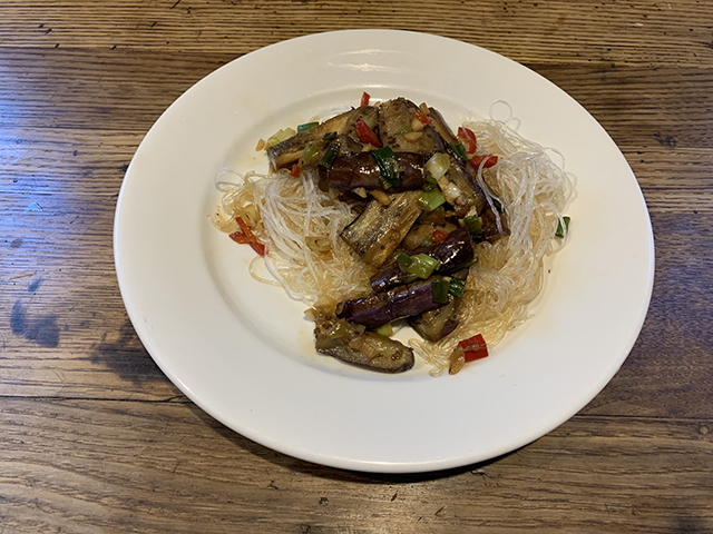 Chinese eggplant with garlic sauce (1)