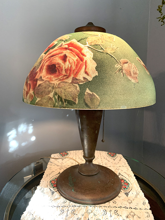 globe lamp hand painted 1