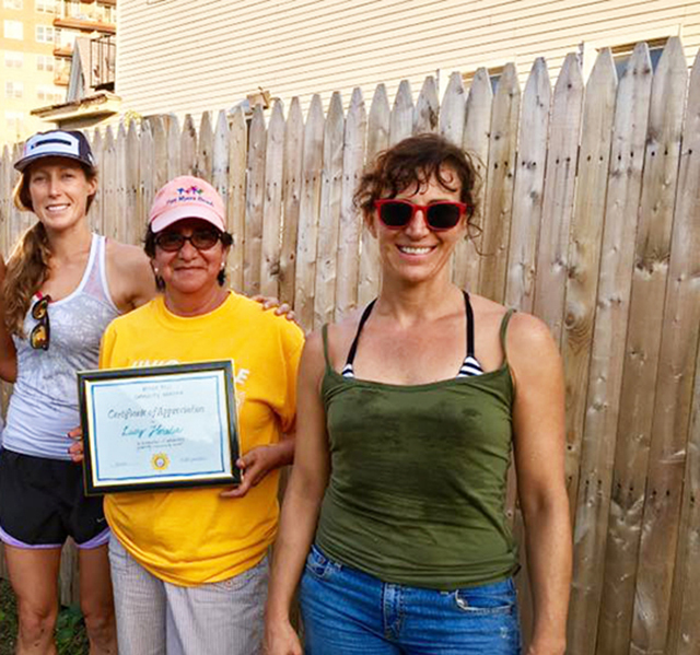 Lucy-center-and-Riva-right-several-years-Back.-Lucy-won-the-_Gardener-of-the-Season_-award-presented-by-then-garden-manager-Annie-Mcbride-left